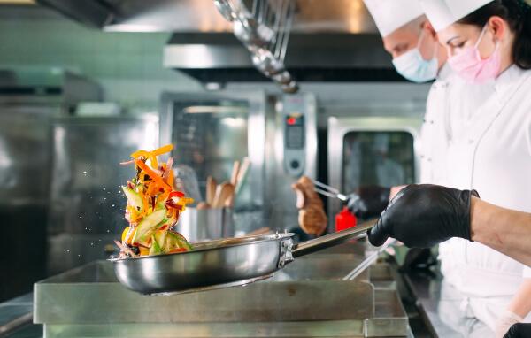 Conoce 7 beneficios del arriendo de cocinas para delivery