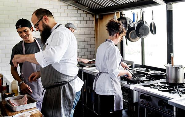 Dark Kitchen ¿Ahorro de tiempo y dinero en el negocio gastronómico?